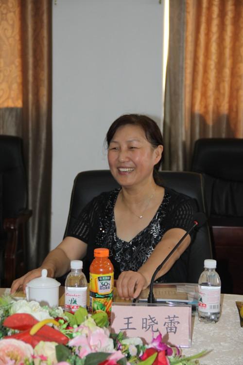 即墨市国税局副局长王晓蕾说:来亨达参加